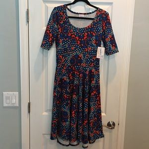 Beautiful NWT LuLaRoe Nicole Dress